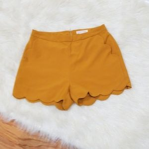 🔰Loveriche Scalloped Gold Shorts